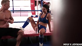Fitness milf Jasmine Jae gets intimate with say no to boxing coach