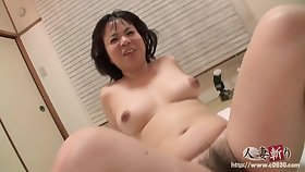 Asian chunky MILF gets creampied