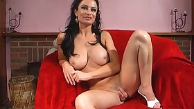 Stunning chick Avalon Kassani stretches their way cunt with a long bagatelle
