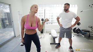 London River enjoys the best sex at the gym with her sultry trainer