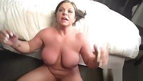Supernatural busty mature lady is acquiring moneyshot