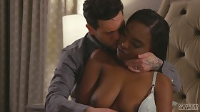 Sexy ebony GF with juicy booty Daya Knight loops over for some doggy
