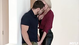 MILF craves be useful to sex vanguard office and it's the new guy who's gonna enjoyment from her