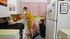 Beamy ass wife Siouxsie Q moans while having sex in the kitchen